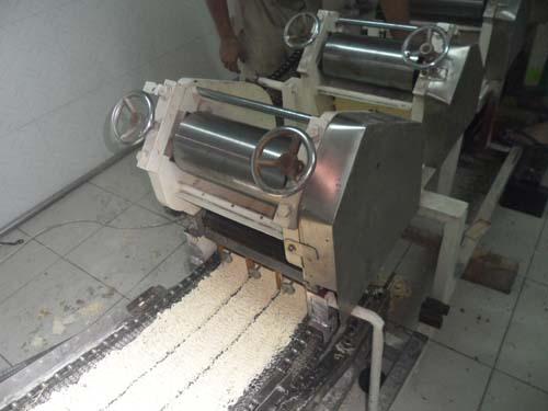 instantnoodle machine